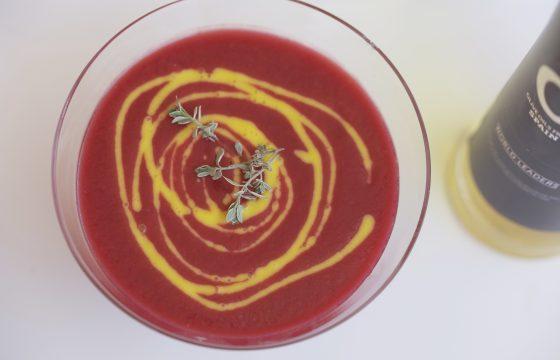 Gaspacho de betterave à la vinaigrette de mangue