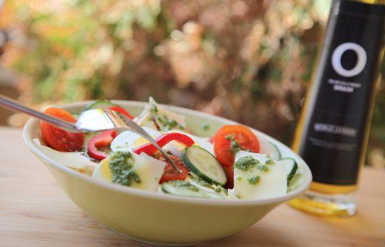 Salade de concombre et basilic